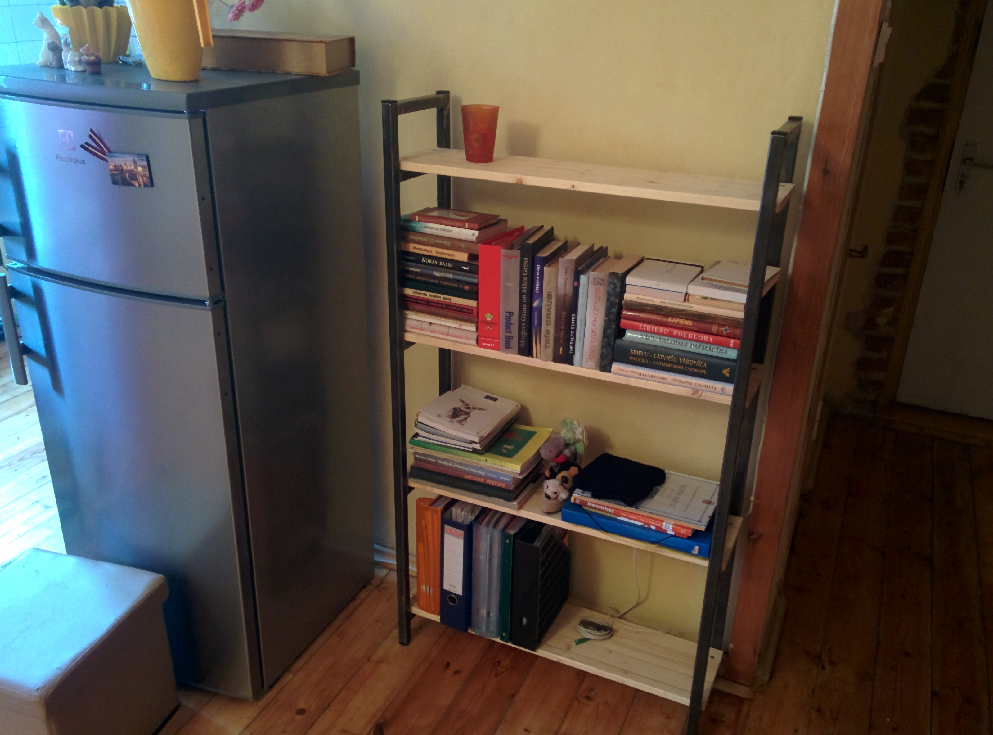 Welded Bookshelf From Square Tubing Web Tools